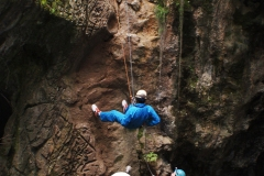 16-Adventure-Caving-at-Jenolan