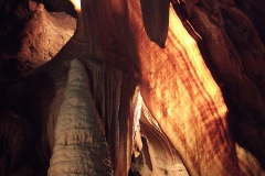 13-Australias-most-spectacular-caves-1
